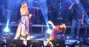 «Ξαφνικά έγινε κάτι μαγικό...» στη συναυλία Μποφίλιου