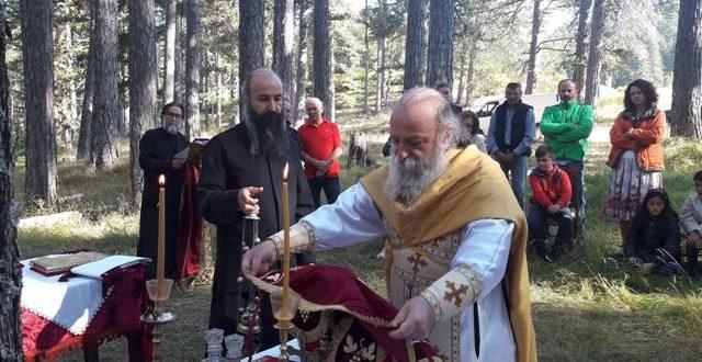 """Θεία Λειτουργία στην καρδιά της κοιλάδας """"Βάλια Κάλντα"""""""
