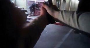 Σκηνή από ταινία-Αστυνομικός σκοτώνει ένοπλο που απειλούσε τη γυναίκα του