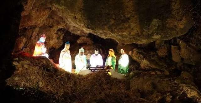 Η πιο εντυπωσιακή φάτνη των Χριστουγέννων βρίσκεται μέσα σε σπηλιά