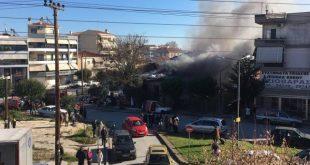 Στις φλόγες μονοκατοικία στα Τρίκαλα!!!