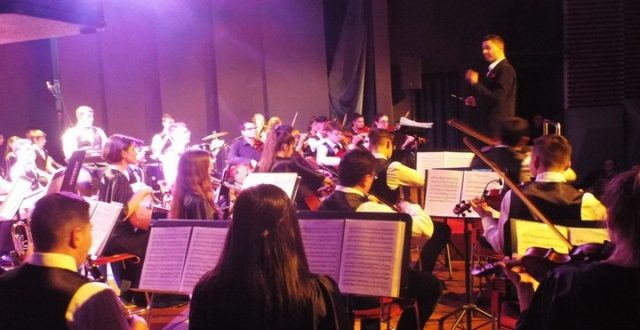 Μαγικές στιγμές και προσφορά για την «Καρδιά του παιδιού» στη συναυλία της ΣΟΝΕ