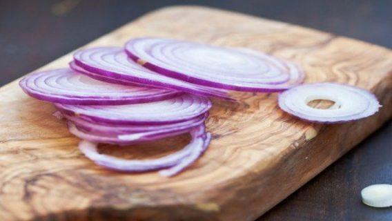 Απίστευτες εναλλακτικές χρήσεις για το κρεμμύδι – Εκτός μαγειρικής