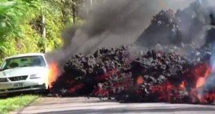 Η στιγμή που η λάβα του ηφαιστείου Κιλαουέα «καταπίνει» αυτοκίνητο