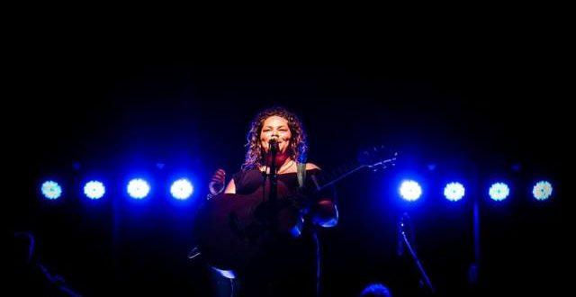 Εντυπωσιακή μουσική βραδιά με την Ματούλα Ζαμάνη στο Μουσείο Τσιτσάνη | ΒΙΝΤΕΟ
