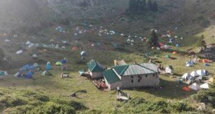 Εκατοντάδες ορειβάτες και πεζοπόροι περιηγήθηκαν στα μονοπάτια του Κόζιακα