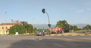 Σφοδρή σύγκρουση αυτοκινήτων στο Μύλο Τσαγκάδα στα Τρίκαλα