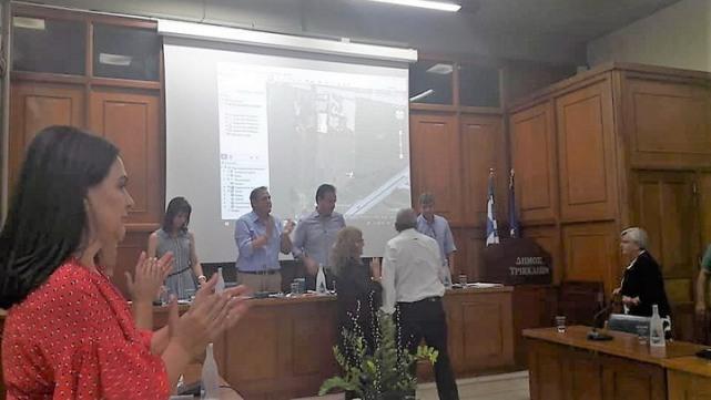 Αποδεκτή η δωρεά του Μπάμπη και της Ιωάννας Δεληλίγκα από το δημοτικό συμβούλιο Τρικάλων