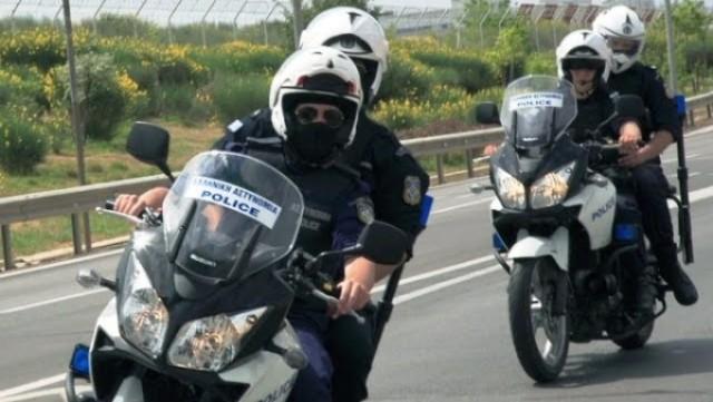 Παράνομοι μικροπωλητές επιτέθηκαν σε αστυνομικούς