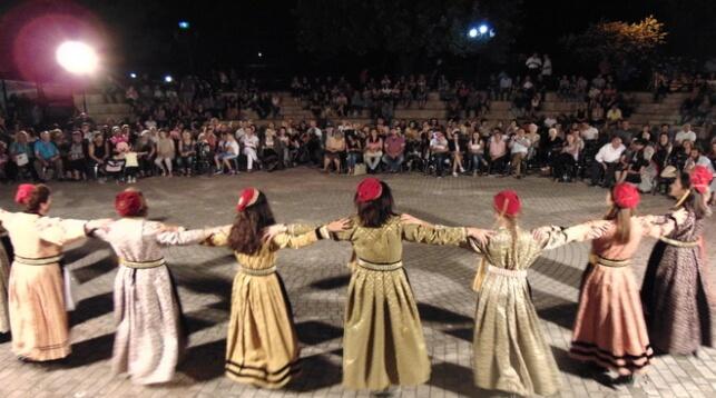 Πανδαισία παραδοσιακών χορών στην Πύλη