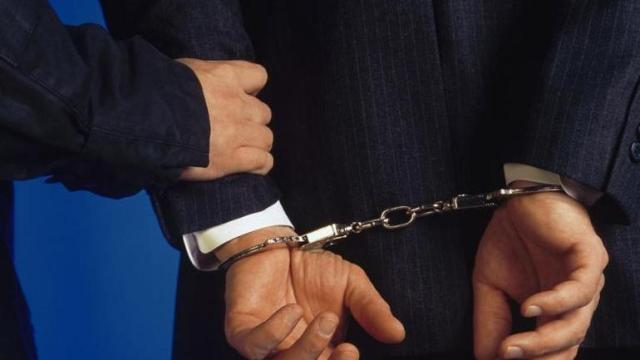 Συνέλαβαν Τρικαλινό δικηγόρο για το κύκλωμα ελληνοποιήσεων