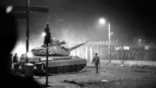 Photo of Καρέ καρέ η εξέγερση του Πολυτεχνείου | ΦΩΤΟ