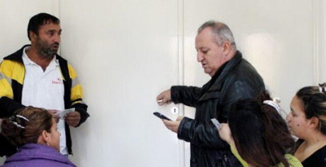 Ομαδική προσέλευση Ρομά για να ψηφήσουν για αρχηγό στην Κεντροαριστερά