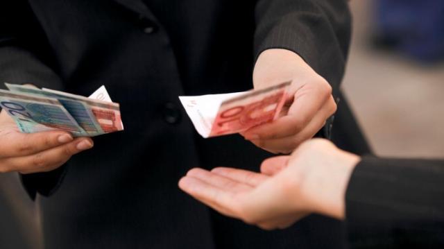 «Οργανωμένο σχέδιο» απάτης με θύματα επιχειρηματίες των Τρικάλων