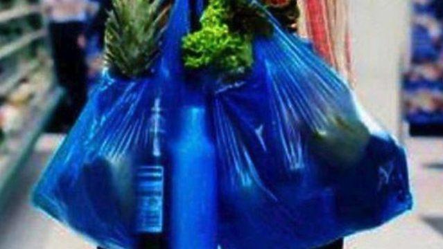 Πλαστικές σακούλες: Ποιο το απίστευτο κόλπο για να μην πληρώνετε
