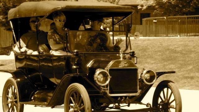 Photo of Τα πρώτα αυτοκίνητα στα Τρίκαλα