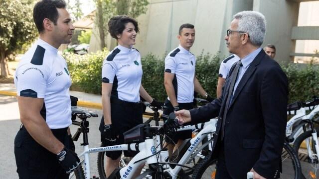 Με ηλεκτρικά ποδήλατα θα περιπολούν οι Αστυνομικοί