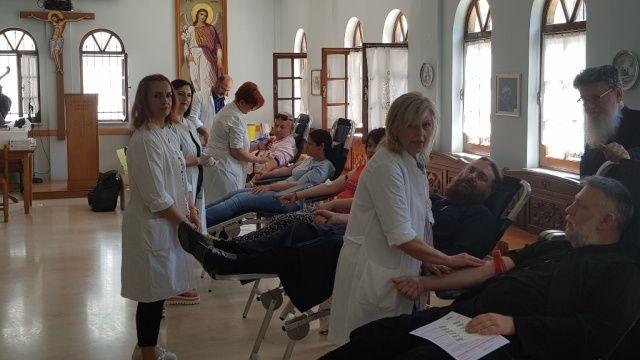 Με μεγάλη επιτυχία η αιμοδοσία της Ιεράς Μητροπόλεως Τρίκκης και Σταγών