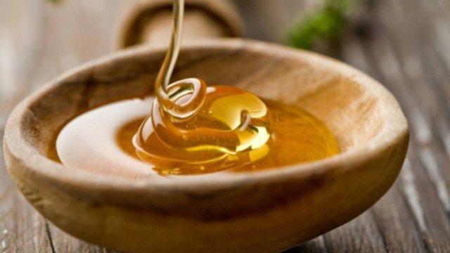 Photo of Πέντε χρήσεις του μελιού εκτός της κουζίνας