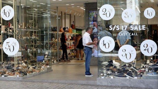 Θερινές εκπτώσεις 2018: Ποια Κυριακή θα είναι ανοιχτά τα καταστήματα