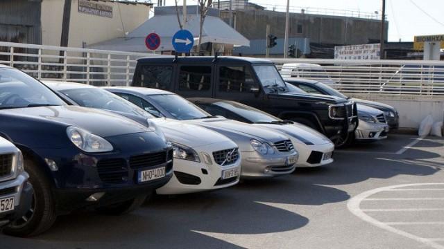 Αγοράστε αυτοκίνητο από 400 ευρώ και μοτοσυκλέτα από 100 ευρώ