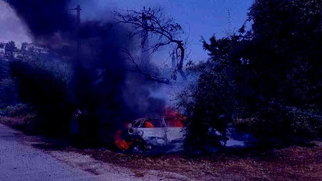 Photo of Αυτοκίνητο τυλίχθηκε στις φλόγες στα Τρίκαλα –  Από θαύμα σώθηκε η οδηγός