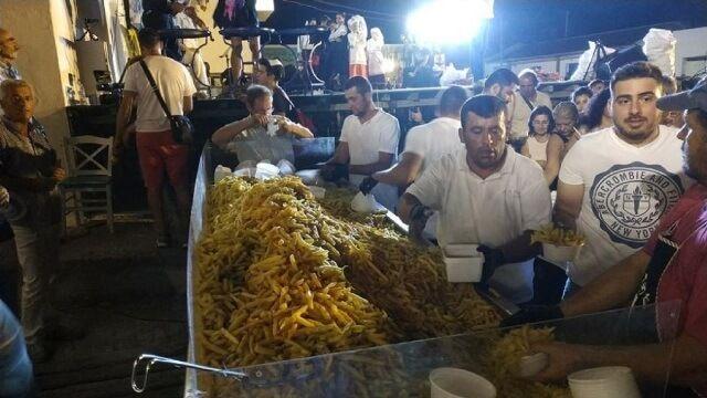 Νέο ρεκόρ γκίνες μεγαλύτερης τηγανιάς τηγανιτής πατάτας στη Νάξο