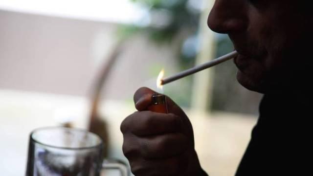 Αντικαπνιστικός νόμος – Οι αστυνομικοί θα παίρνουν το 20% από τα πρόστιμα