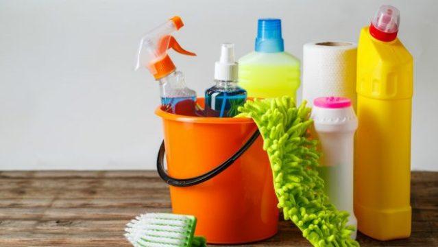Μην ανακατέψετε ποτέ αυτά τα καθαριστικά προϊόντα