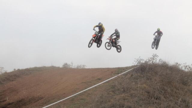 Σούπερ θέαμα στο Πρίνος στον αγώνα motocross που διοργάνωσε η ΜΑΣ Τρικάλων!