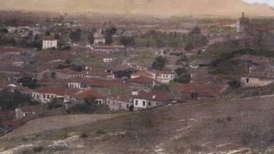 Photo of Η πρώτη πανοραμική επιχρωματισμένη φωτογκραβούρα της πόλης των Τρικάλων το 1897 | ΦΩΤΟ