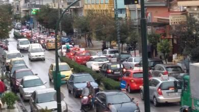 Στους δρόμους βγήκαν οι εκπαιδευτές οδήγησης στα Τρίκαλα!