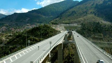 Photo of Άντρας πήδηξε από τη γέφυρα της Εγνατίας στην Παναγία Καλαμπακας!