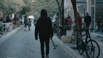 Γιατί ένας πιτσιρικάς με λοστό σπάει το κέντρο της πόλης