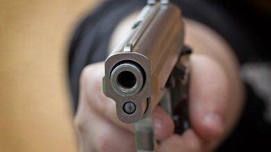 Πατέρας προσέλαβε εκτελεστές για να σκοτώσουν τον βιαστή της κόρης του