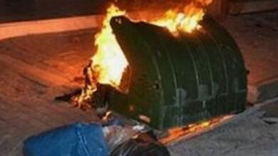 Συνελήφθη 30χρονος που έβαζε φωτιά σε κάδους απορριμμάτων στα Τρίκαλα