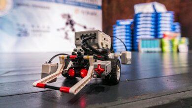 Τεράστια συμμετοχή Θεσσαλών μαθητών στον διαγωνισμό ρομποτικής στα Τρίκαλα