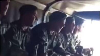 Αλεξιπτωτιστές τραγουδάνε το «Μακεδονία Ξακουστή»