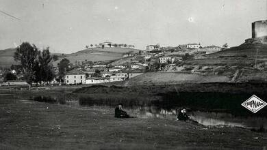 Photo of Ο Ληθαίος στις παρυφές του λόφου του Φρουρίου το 1930