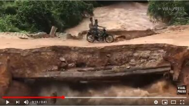 Η τρομακτική στιγμή της κατάρρευσης μίας γέφυρας την ώρα που περνούσε ένα μηχανάκι