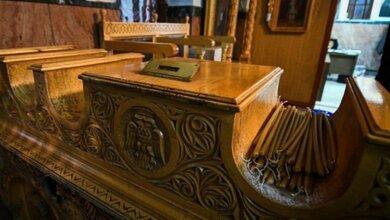 Ιερόσυλοι στην Εύβοια περίμεναν να τελειώσει η κηδεία για να κλέψουν το παγκάρι!!!
