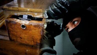 Έπιασαν το ζευγάρι κλεφτών που «άδειαζε» παγκάρια στα Τρίκαλα