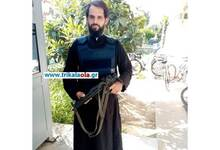 Photo of ΕΛΑΣ: Έρευνα για τον παπά-αστυνομικό με το όπλο