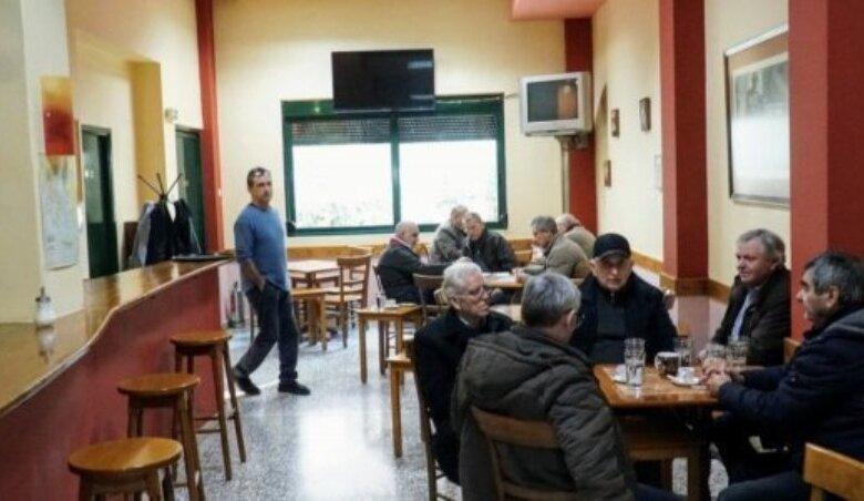 Στη Λάρισα το πρώτο καφενείο μόνο για καπνιστές - Πώς θα λειτουργεί