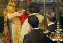 Photo of Σύλληψη ιερέα που κοινώνησε πιστούς