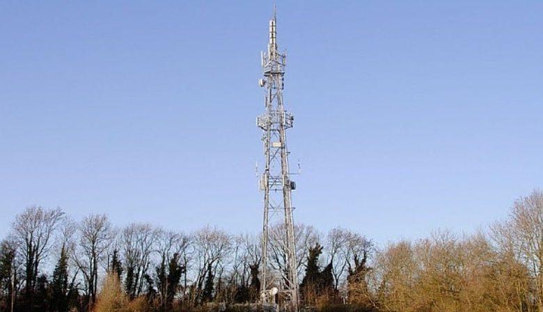 Χαμός στη Βρετανία με τη θεωρία συνωμοσίας για το 5G