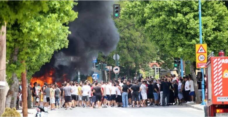Photo of Επεισόδια και φωτιές στον οικισμό Ρομά στην Λάρισα