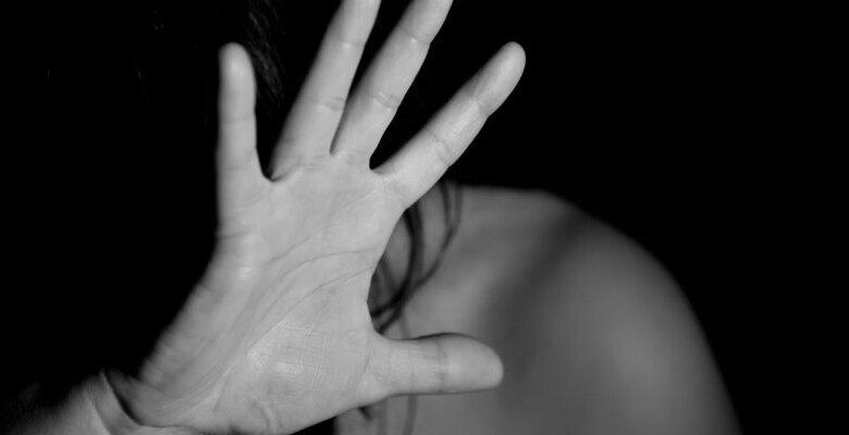 Σοκαριστική επίθεση με βιτριόλι σε 33χρονη